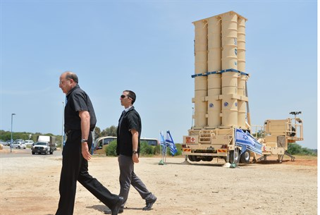 Defense Minister Moshe Ya'alon at Arrow 2 tes