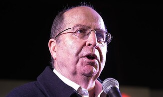 Ya'alon: Lapid is great, but we had no chance against Netanyahu