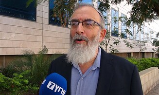 Tzohar leader threatens to sue Chief Rabbi for lying about mass conversions