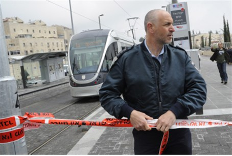 Police at light rail after attack (file)