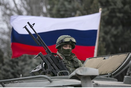 Russian troops in Crimean border town of Bakl