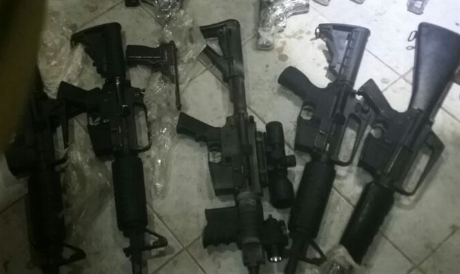 Weapons that were smuggled from Jordan into Israel