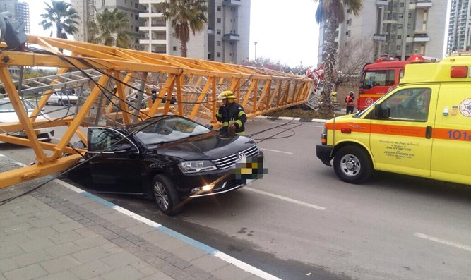 Crane collapse in Bat Yam