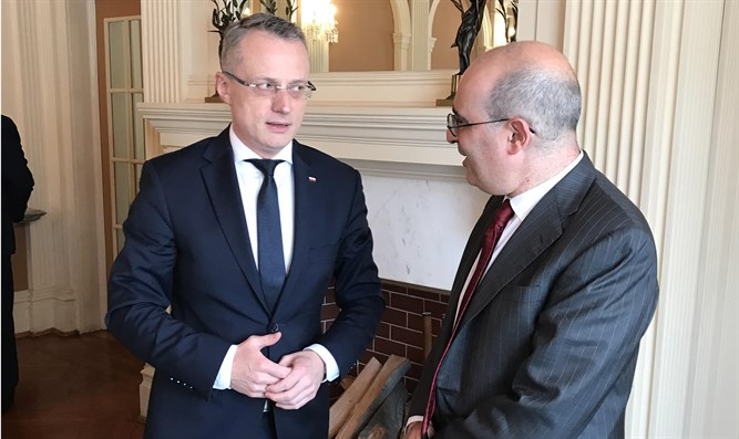 Deputy Polish Foreign Minister and Gideon Taylor