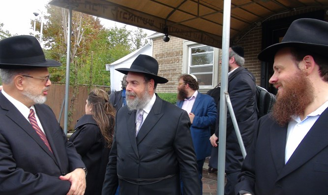Rabbi Shonfeld at the 'Ohel'