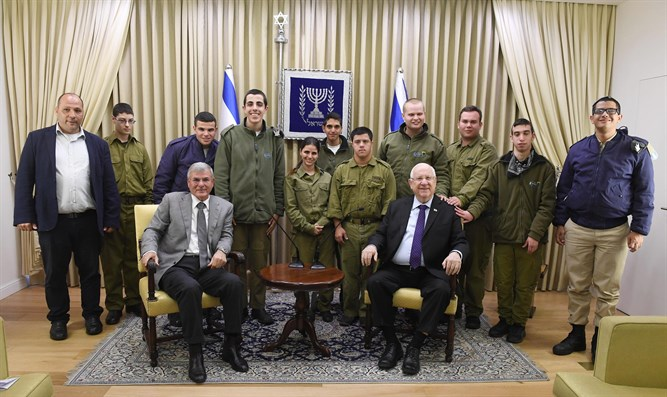 Rivlin with the soldiers